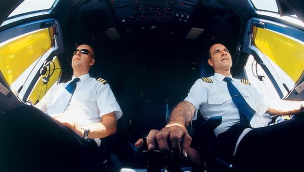 Med vzletom je potrebna popolna koncentracija kapetana in prvega častnika. (foto: Bor Dobrin)