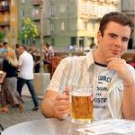Timothy Gallagher: »Nisem pil ne vina ne piva, dokler nisem prišel v Slovenijo. Slovenci ste me spremenili v pijanca.«  (foto: ?)