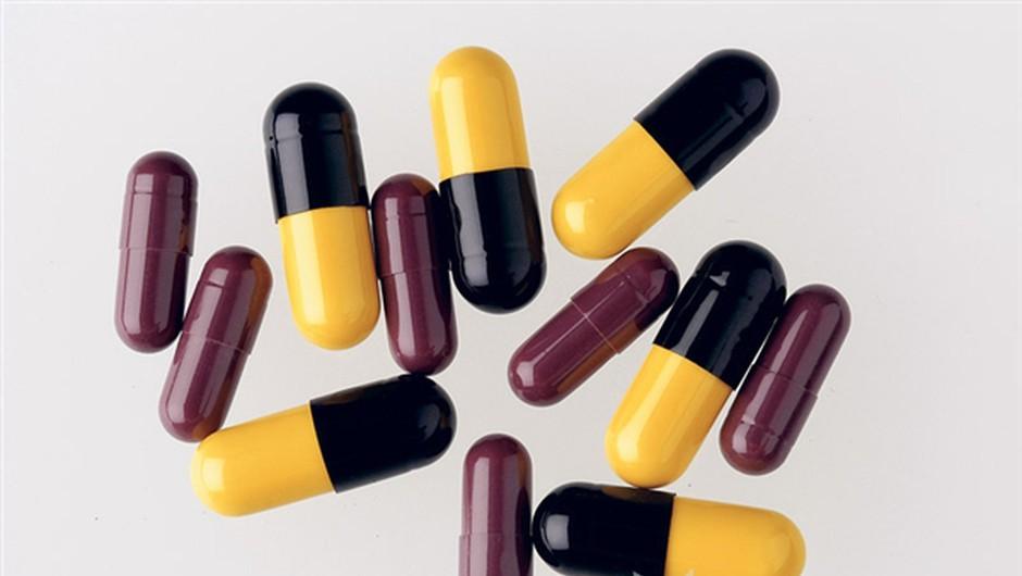 Za dober dan: tableta ali koprive? (foto: Uroš Potočnik)