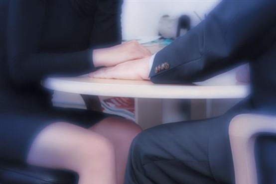 Kako ločiti spolno nadlegovanje od zapeljevanja?