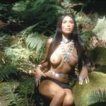 V Brandovem imenu je oskarja zavrnila »indijanska princesa« Sacheen Littlefeather, ki je pozirala tudi za Playboy. (foto: *)