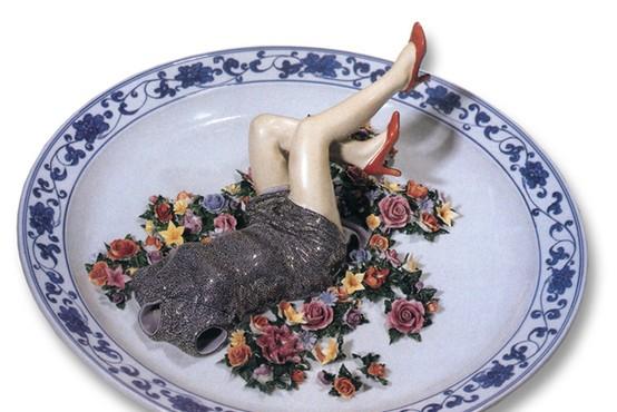 Dame iz porcelana