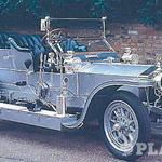 1901 - rolls-royce silver ghost - Angleški rolls-royce je od začetka proizvodnje v letu 1904 pojem vrhunskega prestižnega avtomobila. Leta 1906 so začeli izdelovati legendo silver ghost, ki je imel kar 7 litrov delovne prostornine  in se »ni mogel pokvariti«. Leta 1929 so začeli izdelovati slovite limuzine phantom, prvi novi model po drugi svetovni vojni  je bil silver wright. Uspešnici šestdesetih – silver shadow je leta 1971 sledil silver spirit, ki ga je poganjal motor z delovno prostornino 6,7 litra.  (foto: *)