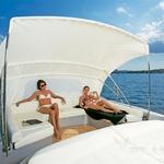 Letošnja osvežitev v ponudbi adrenalinsko-bahaškega Pershinga sta prestižni jahti s hard topom in oznakama 64 in 80. Obe imata površinski pogon in dosegata izjemno visoke hitrosti. www.pershing-yacht.com (foto: PR)