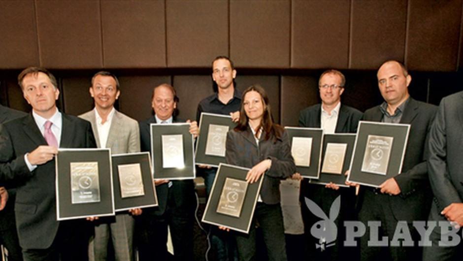 Skupinska fotografija vseh predstavnikov zmagovalnih ur iz vsake od treh kategorij (foto: Ivana Krešić)