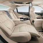 Lexus LS 600h L: Znotraj! (foto: Lexus)