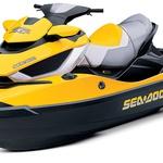 Sea-Doo RXT iS 255: motor: 1494 cm3 moč: 258 'konjev' motor: 3-valjini, 4-taktni, prisilno polnjen, elektronski vbrizg dolžina: 3,53 m širina: 1,22 m višina: 1,11 m, suha teža: 430 kg prostornina rezervoarja za gorivo: 70 l cena: 31 tisoč evrov za model RXT iS 255 in 32 tisoč evrov za model GTX LTD iS 255 (foto: Proizvajalci)