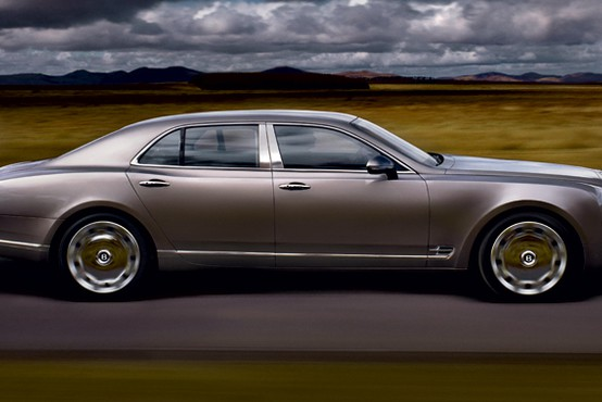 Bentley mulsanne: Božanje