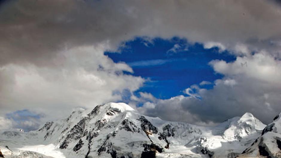 Ledenik Grenzgletscher se spušča z masiva Monte Rosa. (foto: Aleš Bravničar)