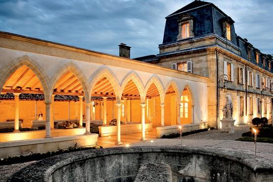 7 vinskih dvorcev Bordeaux