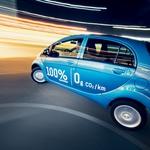 Danes zelo pomembno trženjsko orodje pri električnih avtomobilih je poudarjanje ničelnih izpustov ogljikovega dioksida med vožnjo. (foto: Matej Grošelj)