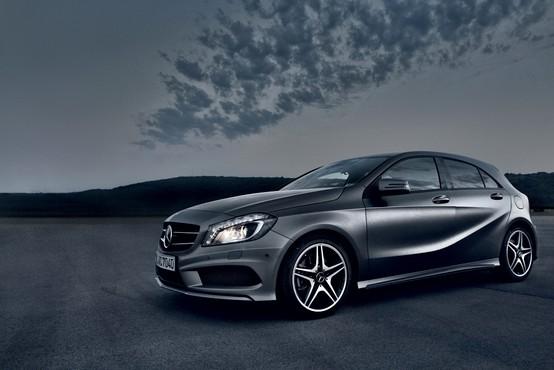 Predstavljamo: Mercedes-Benz A 250 AMG