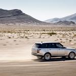 Novi range se ne upa kosati le s sebi tehnično in razredno podobnimi, ampak tudi z najprestižnejšimi limuzinami. (foto: Land Rover)