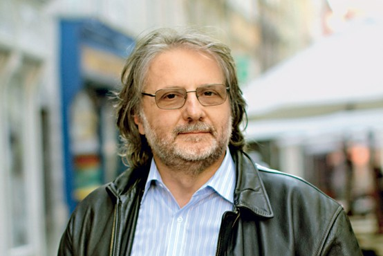 """Pisatelj in režiser Vinko Möderndorfer: """"Pred prvo vajo imam vedno blazno tremo!"""""""