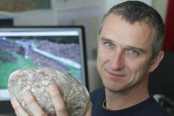 Intervju z geologom Dr. Milošem Bavcem