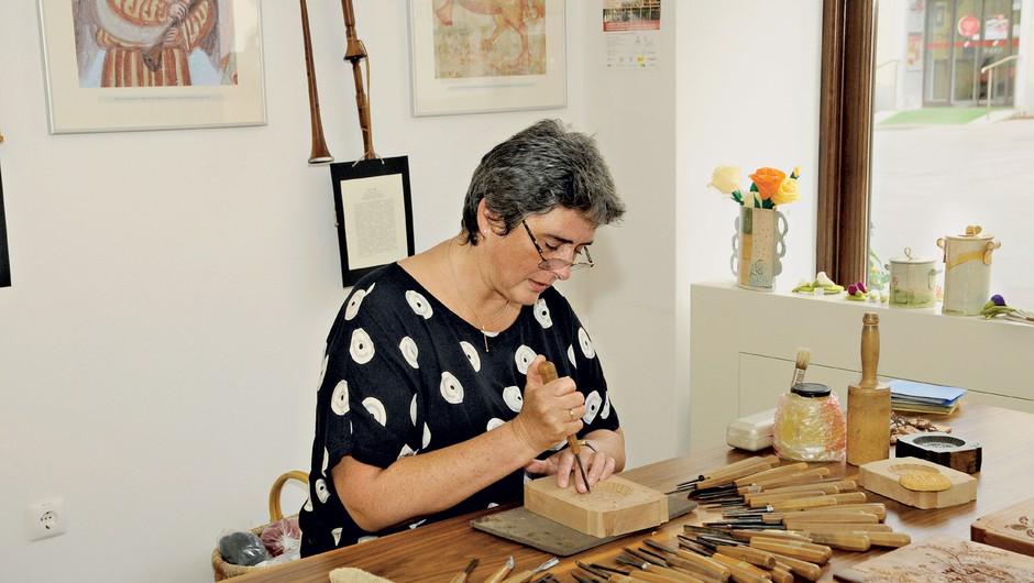 Petra Plestenjak Podlogar ustvarja čudovite lesene kreacije (foto: Sašo Radej)