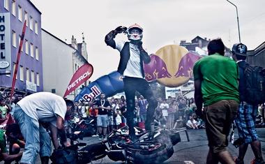 Rok Bagoroš - motorist, ki osvaja neraziskano na svetovni stunt sceni