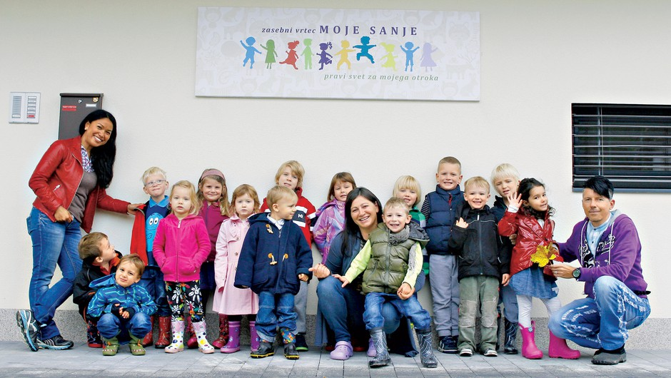 """Sandra Sešek Brajko: """"Otroci v dveh jezikovnih sistemih hitreje in bolj intuitivno sprejmejo razlike"""" (foto: Aleš Pavletič)"""