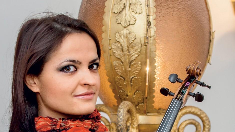 """Lana Trotovšek """"Glasba ni, da odigraš  vse note, glasba je, da daš občinstvu energijo"""" (foto: Aleš Pavletič)"""