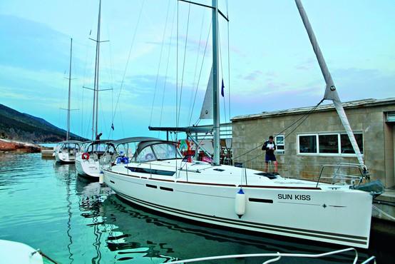 Jadralni vikend s prekaljenim morskim mačkom Sandijem Fonom