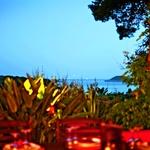 Pogled iz restavracije Meneghello Palmižana. Niže je še ena, novejša restavracija rodbine Meneghello, ki jo vodi sin gospe Dagmar. (foto: Urška Košir)