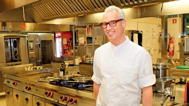 """Rudolph van Veen: """"Najpomembnejši trik v kuhinji je vzeti sestavine in začeti kuhati"""" (foto: Goran Antley)"""