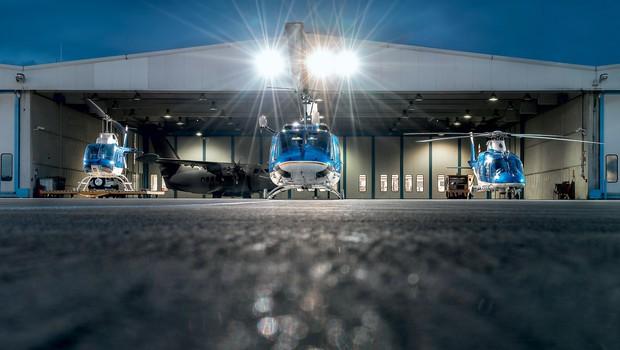 Policijska eskadrilja - fantje in dekleta, ki delajo v Letalski enoti policije (foto: Uroš Podlogar)