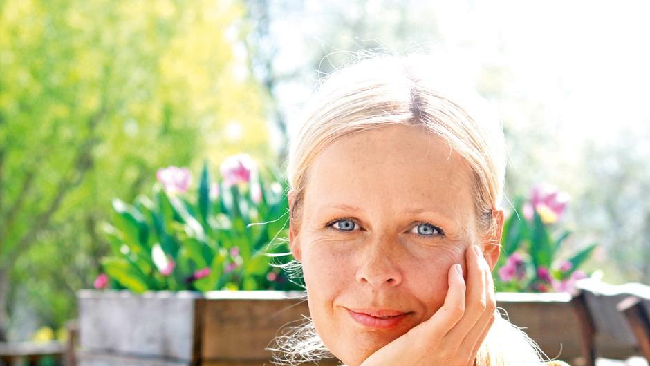 """Jerneja Jošar: """"Plevel je izmišljena beseda, tudi marjetnica je za nekoga plevel, za druge pa najlepši cvet"""" (foto: Goran Antley)"""