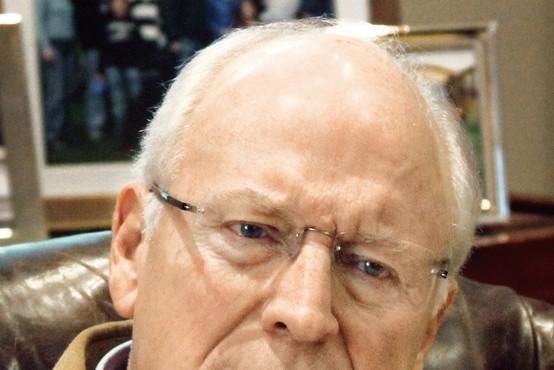 Kontroverzni ameriški podpredsednik Dick Chaney o izključitvi z Yala, pijači in lezbični hčeri