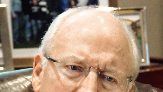 Kontroverzni ameriški podpredsednik Dick Chaney o izključitvi z Yala, pijači in lezbični hčeri (foto: Nicholas Kalman)