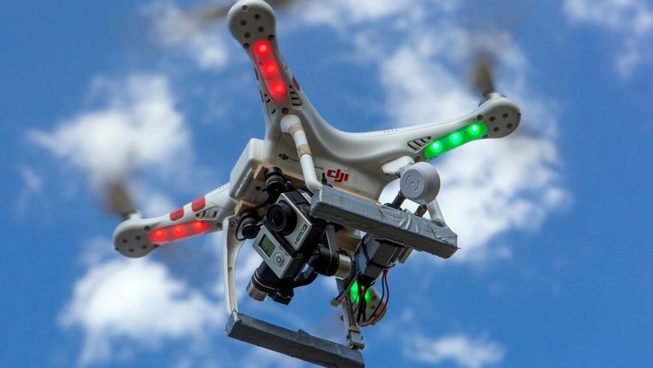 Letališče Gatwick, ki go ga zaprli zaradi dronov, spet odprto (foto: profimedia)
