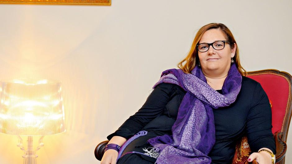 """Sandra Naka: """"Če nekdo v družini doživi travmo, to lahko vpliva na vse njene člane"""" (foto: Primož Predalič)"""
