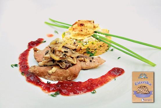 Gourmet: Čičerkin tatarec, račje prsi in brusnična omaka