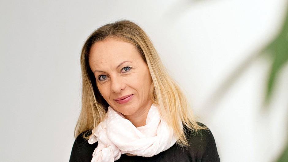 """Jasna Novak Beguš: """"Z obrazno jogo se aktivirajo žleze, ki nas pomladijo"""" (foto: Goran Antley)"""