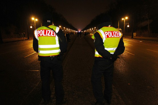 Policija v Kölnu preprečila ponovitev spolnih napadov na ženske pred enimi letom
