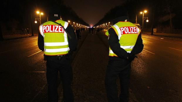 Policija v Kölnu preprečila ponovitev spolnih napadov na ženske pred enimi letom (foto: profimedia)