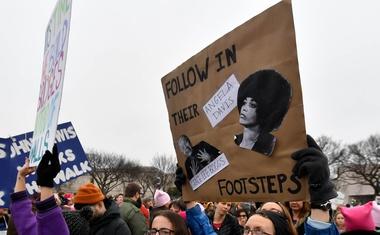 V Washingtonu in drugod po svetu več sto tisoč ljudi na pohodu žensk!