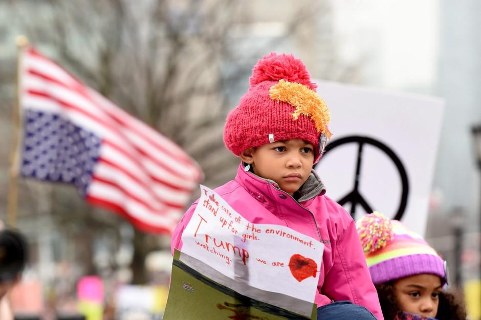 V Washingtonu in drugod po svetu več sto tisoč ljudi na pohodu žensk! (foto: profimedia)