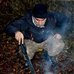 Sebastian Cavazza v divjini z Branetom T. Červekom (foto: Matjaž Žnidaršič)