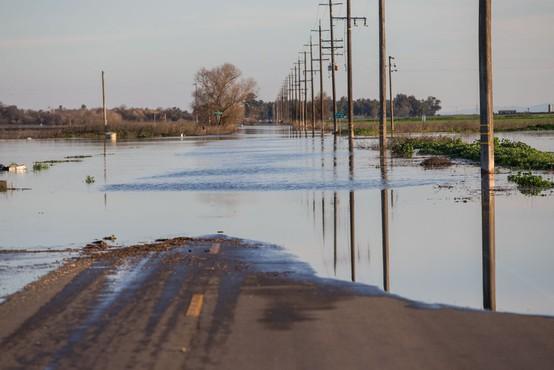 Kalifornija: Zaradi nevarne situacije na jezu bodo evakuirali 188.000 ljudi!