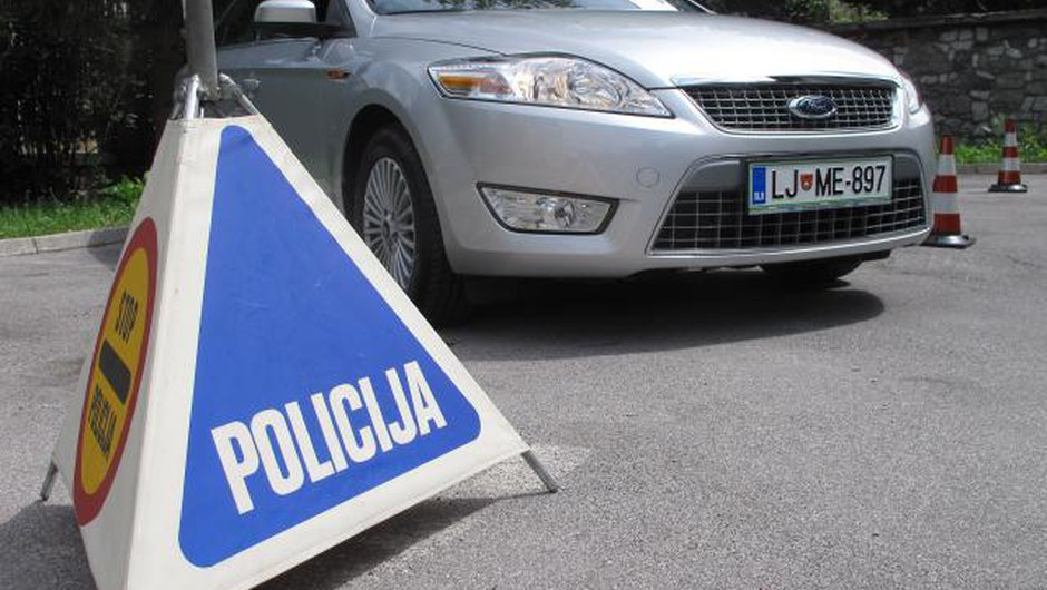 Celjan se je odpeljal s policijskim avtomobilom (foto: STA)