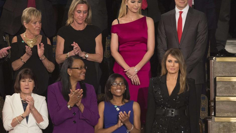 V ložo Melanije Trump posedli žrtve nasilja nezakonitih priseljencev! (foto: profimedia)