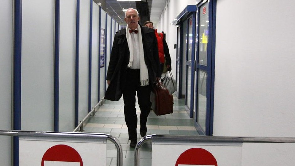 Janusz Korwin-Mikke bo kaznovan za izjavo, da bi morale biti ženske plačane manj, ker ... (foto: profimedia)