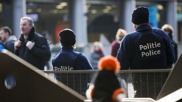Belgijska policija aretirala moškega, ki je hotel zapeljati v množico (foto: STA)