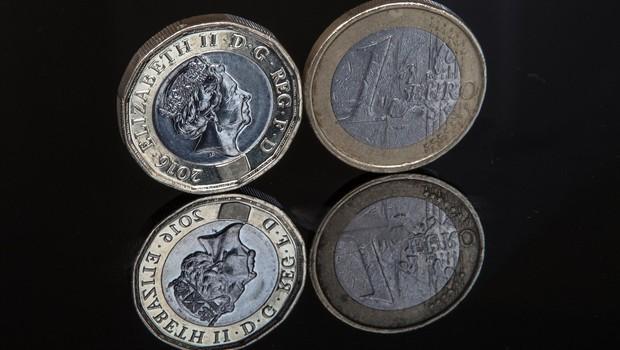 V žepih Britancev odslej tudi dvanajstkotni kovanci (foto: profimedia)