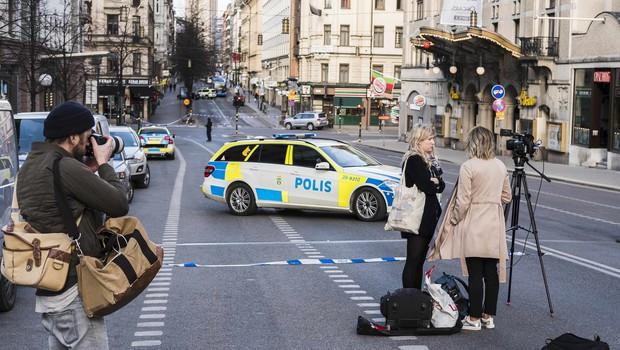 Kaos v Stockholmu: tovornjak zapeljal v množico ljudi! Več mrtvih in veliko ranjenih! (foto: profimedia)