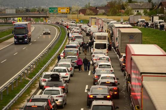 Hrvaška začasno prekinja poostrene nadzore vseh potnikov na meji s Slovenijo in Madžarsko