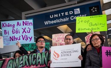 Direktor United Airlines je potreboval dva dni, da se je zdaj končno opravičil!