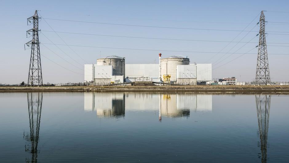 Francija: Po odkritju napake ustavili reaktor jedrske elektrarne! (foto: profimedia)