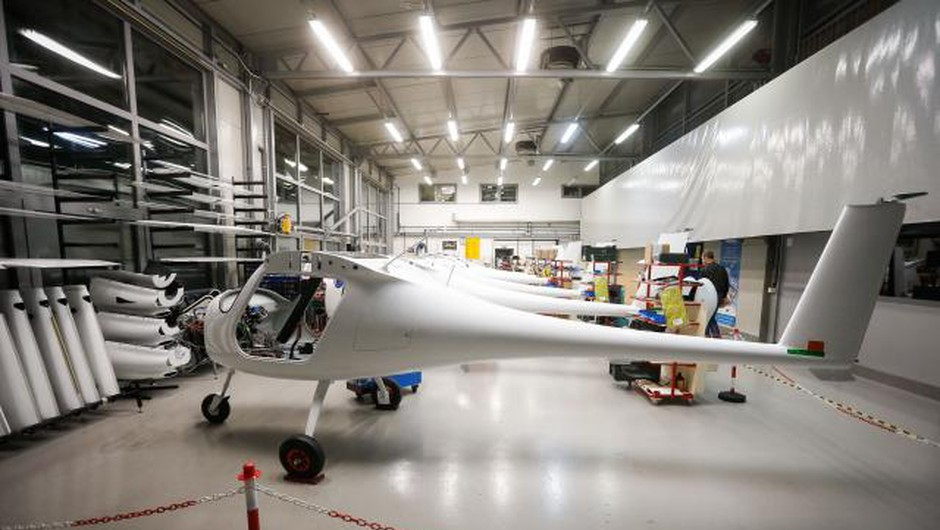 Pipistrel z Uberjem v skupen razvoj električnega letalnika (foto: STA)